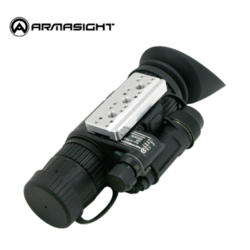 J-Arme Mount Adapter / Black